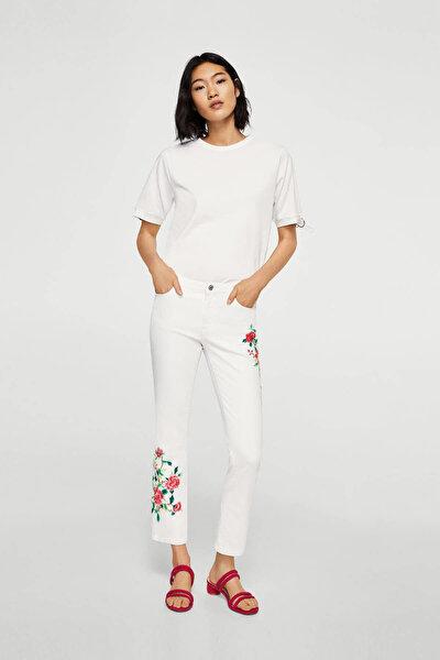 Kadın Beyaz Düz Kesim Kısa Paçalı Ve İşlemeli Jean Pantolon 23005632