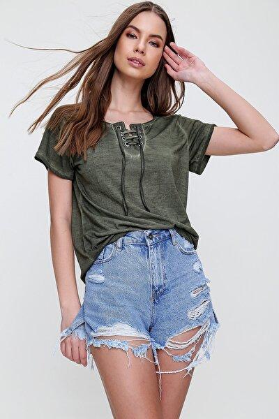 Kadın Haki Kuş Gözlü Yakası Bağcıklı Yıkamalı T-Shirt MDA-1127