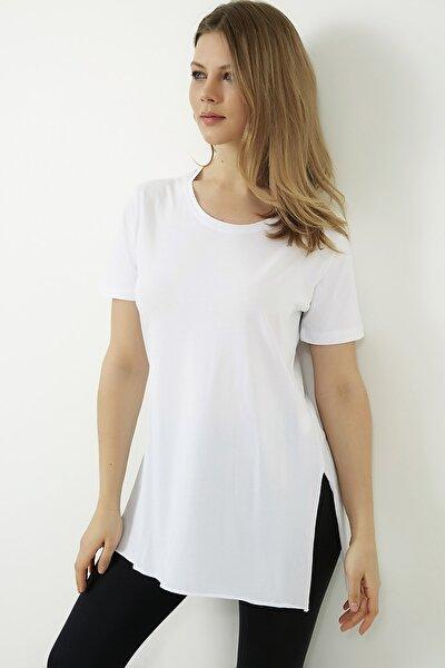 Kadın Beyaz Yanları Yırtmaçlı Uzun T-shirt