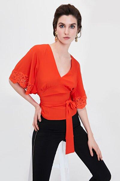 Kadın Turuncu Güpür Mixli V Yaka Bluz IS1190006091127