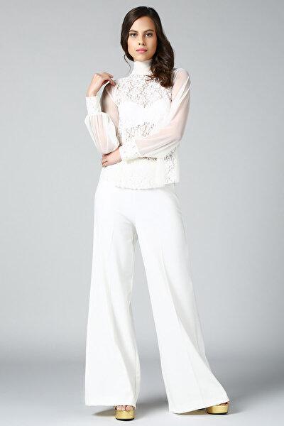 Kadın Beyaz Dantel Detaylı Bluz BD2265