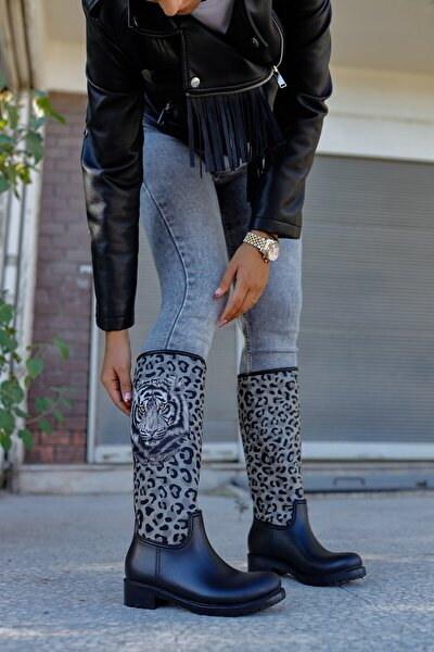 Kadın Siyah Leopar Desenli Yağmur Çizmesi Sb20155