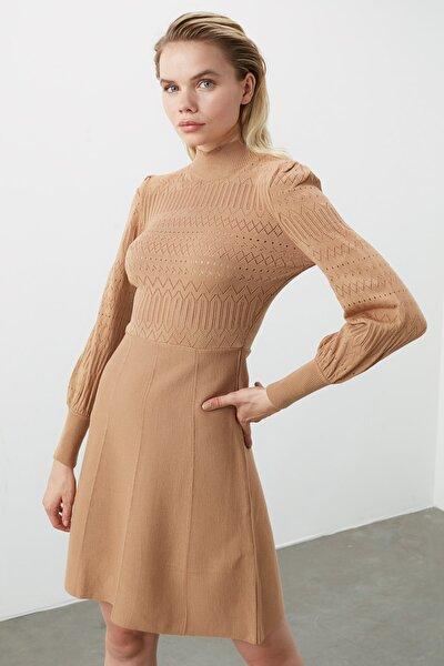 Camel Örgü Detaylı Triko Elbise TWOAW21EL0036