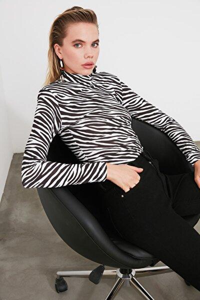 Siyah Zebra Desenli Vatkalı Çıtçıtlı Örme Body TWOSS20BD0003
