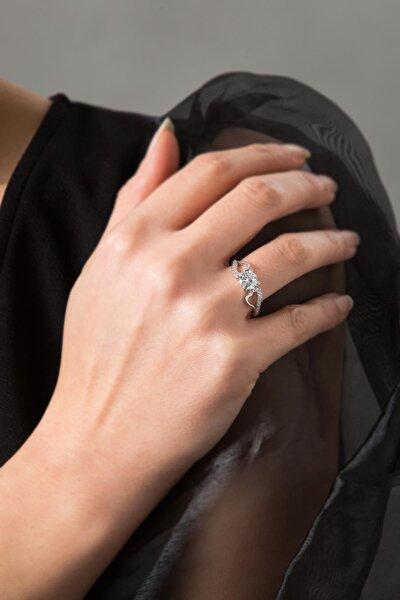 Kadın Kalp Detaylı Tek Taş 925 Ayar Gümüş Yüzük