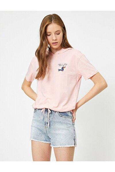 Kadın Pembe Kapüşonlu Kısa Kollu Baskılı T-shirt 0YAL18095IK