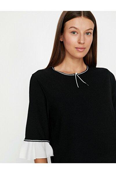 Kadın Siyah İnci Detaylı T-Shirt