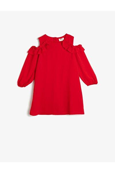 Kız Çocuk Kırmızı Dökümlü Kumaştan Omzu Açık Fırfırlı Orta Boy Elbise