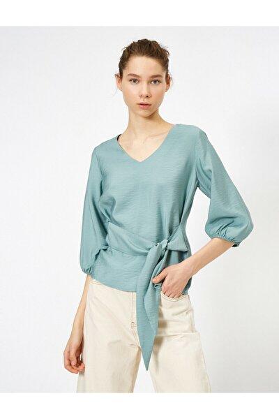 Kadın Yeşil V Yaka Parlak Kumaştan Beli Bağlamali Bluz