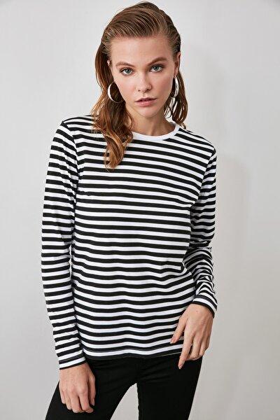 Siyah Beyaz Çizgili Uzun Kollu Bisiklet Yaka Basic Örme T-Shirt TWOAW21TS0098