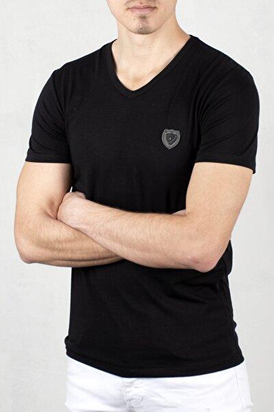 Siyah V Yaka Önü Armalı Kısa Kol T-shirt
