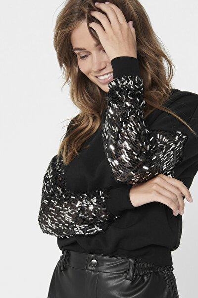 Kadın Siyah Kolları Pul Detaylı Sweatshirt 15214333 ONLOLGA