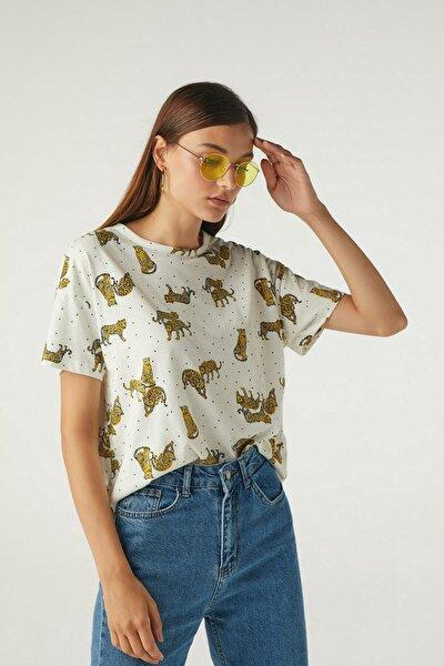Kadın Beyaz Kaplan Desenli Basic Tişört