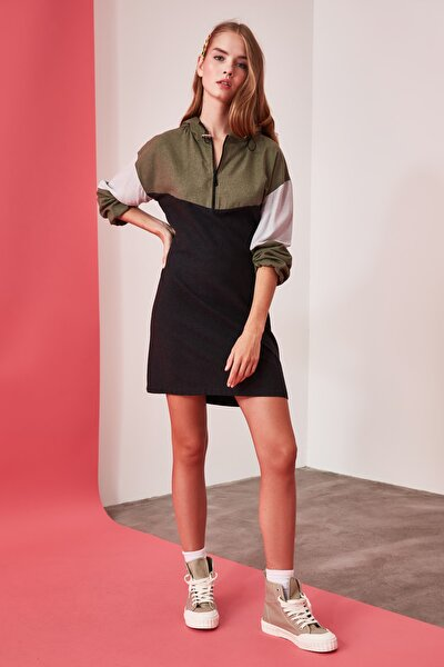 Çok Renkli Kapüşonlu Elbise TWOAW21EL0645
