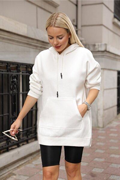 Kadın Beyaz Yan Yırtmaçlı Cepli Kapüşonlu Sweatshirt