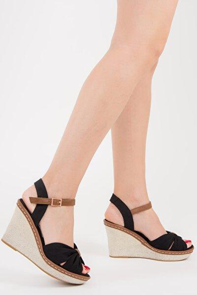 Siyah Kadın Dolgu Topuklu Ayakkabı F674040405