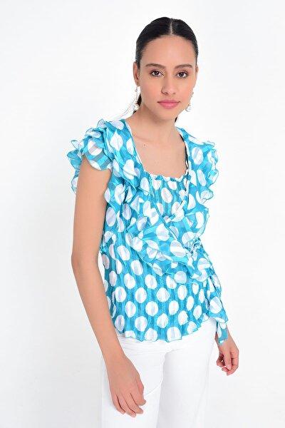 Kadın Mavi Kruvaze Detaylı Puantiyeli Volanlı Bluz HN1850