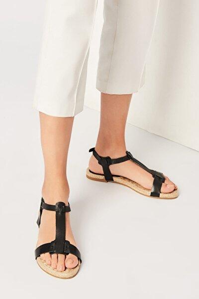 Hakiki Deri Siyah Kadın Sandalet 120120125010