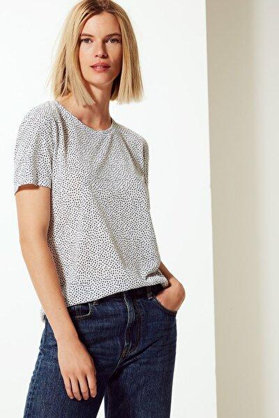 Kadın Beyaz Polka Dot Relaxed Fit T-Shirt T41008142