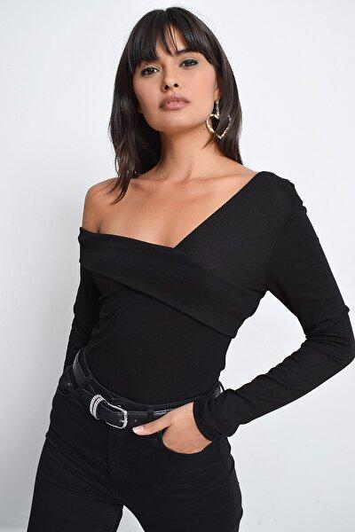 Kadın Siyah Madonna Yaka Bluz B10