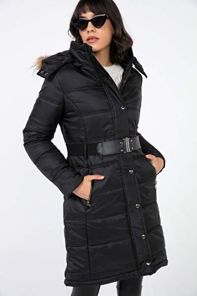 Kadın Siyah Seyyar Kürk Yakalı Beli Kemerli Astarlı Şişme Kaban S-20K2060016