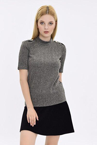 Kadın Siyah-Beyaz Apolet Ve Düğme Detaylı Kısa Kollu Bluz HN2091