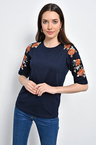 Kadın Lacivert Bisiklet Yakalı Kolları Çiçek Nakışlı Bluz HN2264