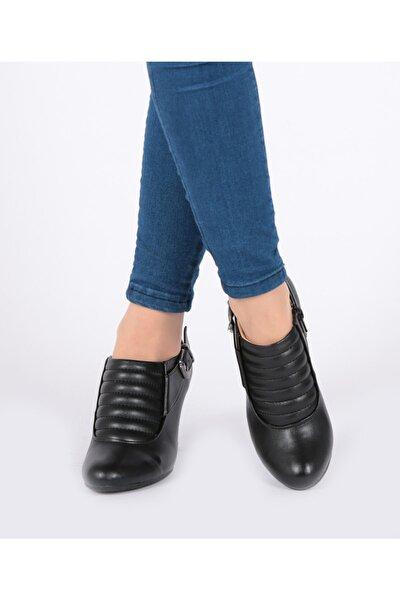 Siyah Topuklu Ve Fermuar Lı Kadın Ayakkabı