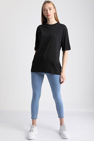 Kadın Siyah Bisiklet Yaka Kol Katlı Pamuklu T-Shirt Mdt3058