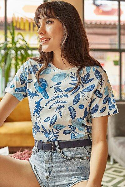 Kadın Ekru Mavi Çiçek Baskılı T-shirt TSH-19000161