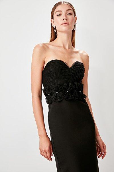 Siyah Aksesuar Detaylı Abiye Elbise TPRSS19DE0078