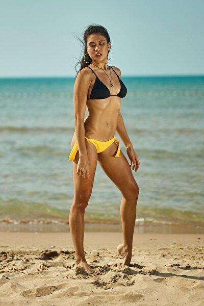 Kadın Siyah Üçgen Bikini Üstü