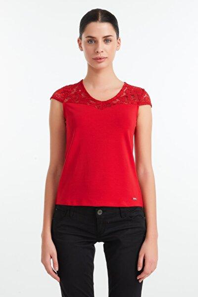 Kadın Kırmızı T-Shirt W62I73J1319