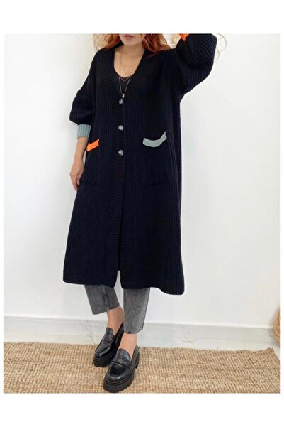 Kadın Siyah Renk Detaylı Kalın Örme Uzun Triko Hırka