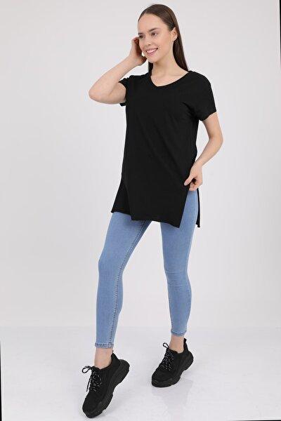 Kadın Siyah V Yaka Yırtmaçlı Kısa Kol Pamuklu T-Shirt Mdt3025