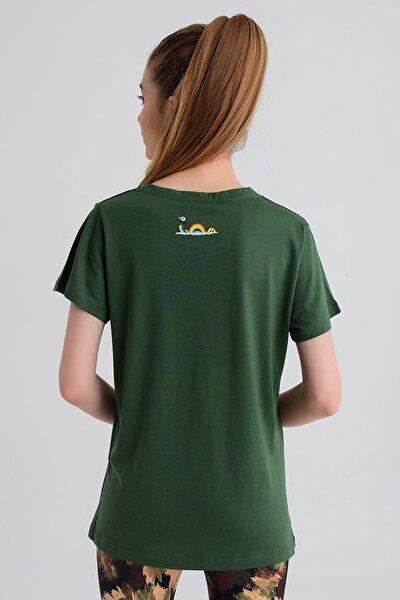 Kadın T-shirt - Wormie Elma Kurdu - WRMYLK