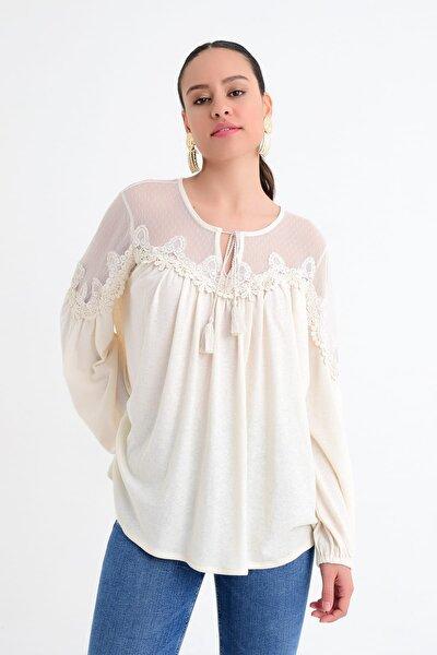 Kadın Beyaz Tül Detaylı Dantelli Uzun Kollu Bluz HN1746
