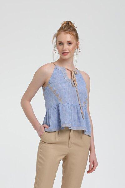 Kadın Mavi İnce Halat Askılı Nakışlı Bluz HPPYHS128MAV