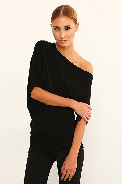 Kadın Siyah Omuz Detaylı Bluz 14L4044