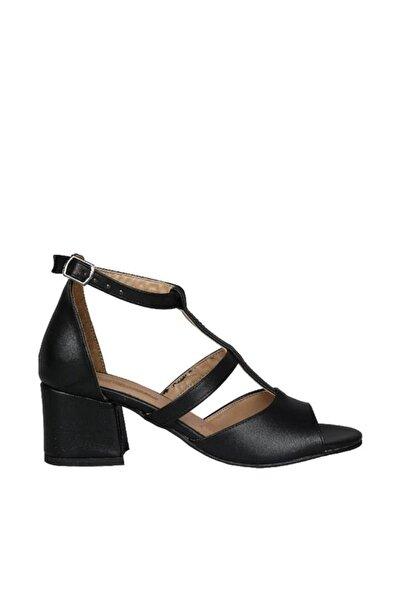 Siyah Kadın Klasik Ayakkabı 19Y423B0040-02