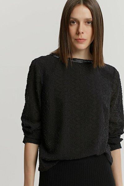 Kadın Siyah Yaka Detaylı Bluz 9KKGM6153X