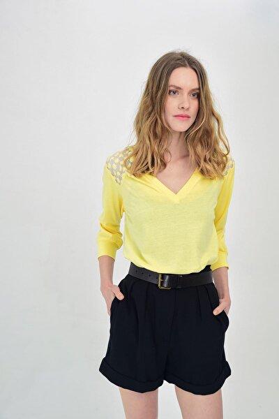 Kadın Sarı V Yakalı Uzun Kollu Dantel Detaylı Bluz HN1313