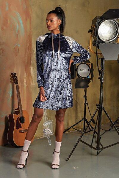 Kadın İndigo Kadife Elbise