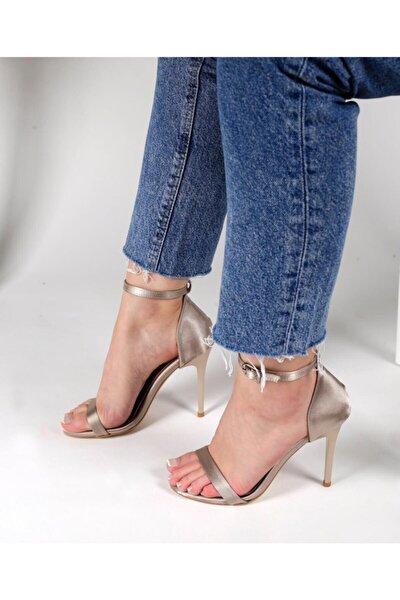Saten Kumaşlı Ince Bantlı Topuklu Ayakkabı