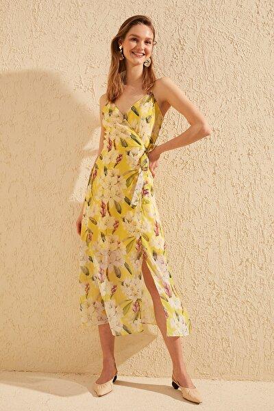 Sarı Çiçek Desenli Elbise TWOSS19EL0107
