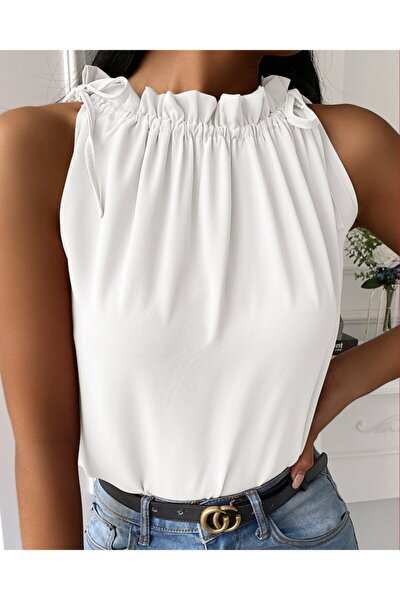 Kadın Beyaz Omuzları Büzgülü Sıfır Kol Bluz