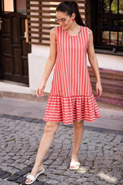 Kadın Kırmızı Kolsuz Eteği Fırfırlı Çizgili Elbise ARM-19Y001101