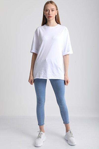 Kadın Beyaz Bisiklet Yaka Kol Katlı Pamuklu T-Shirt Mdt3058