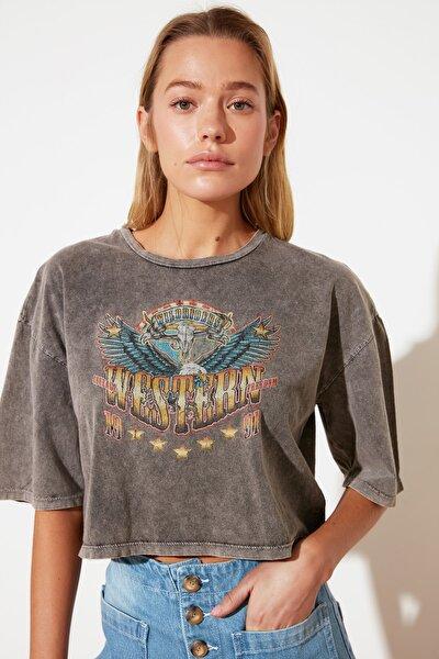 Antrasit Yıkamalı Loose Crop Baskılı Örme T-Shirt TWOSS21TS2798