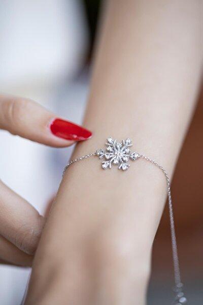 Kadın Kar Tanesi Model Zirkon Taşlı Gümüş Bileklik İZLASLVR00369